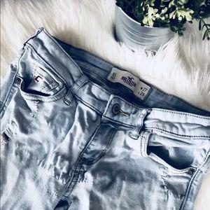 Hollister Jeans in Denim Light Wash Destroyed